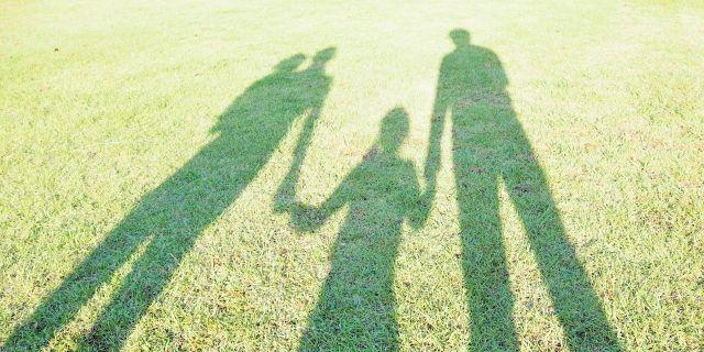 子供がいる場合は再婚後に養子縁組をするかどうかの判断も
