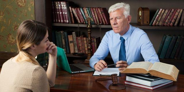 離婚する相手方の弁護士から連絡があったときの対処法