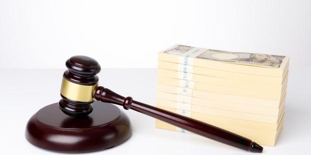 裁判で判決がくだされた場合は一括で慰謝料を支払わなければならない