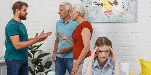 義両親との同居で起こりやすいトラブルとは
